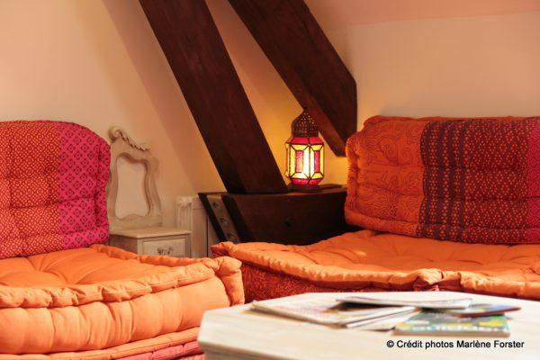 """Petit salon """"Oriental"""" à l""""étage - Gîte Moulin - www.moulindescombes.com"""