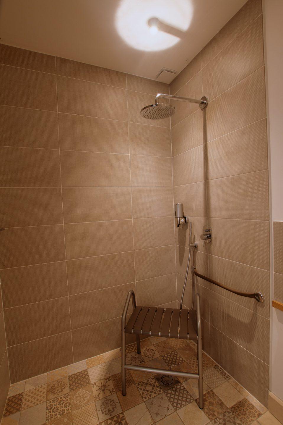 Salle d'eau chambre Osmose adapté PMR rez de chaussée